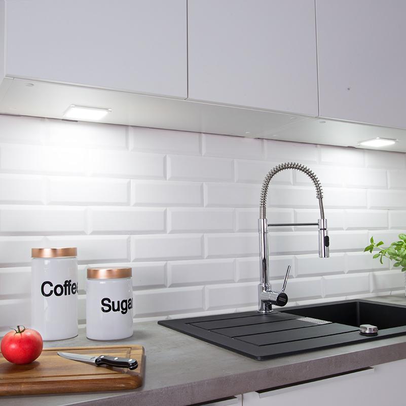 Oświetlenie LED do kuchni. Oświetlenie podszafkowe.